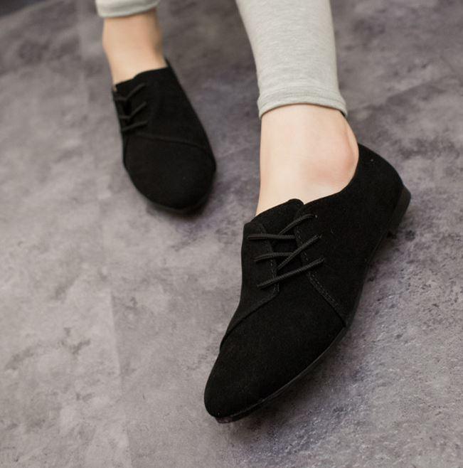 รองเท้าคัทชูหนังกลับแฟชั่น