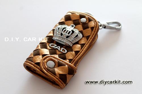 กระเป๋าใส่กุญแจรถยนต์ สีทอง