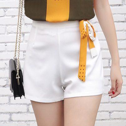 SALE!! Shorts486 กางเกงแฟชั่นเกาหลี กางเกงขาสั้นซิปข้างผ้าหนาเนื้อดีสีพื้นขาว งานน่ารักแมทช์กับเสื้อได้หลายแบบ