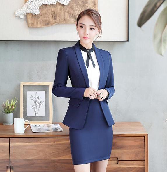 ชุดสูทยูนิฟอร์มพนักงานออฟฟิต เสื้อสูทมีปกสีน้ำเงิน พร้อมกระโปรงสีน้ำเงิน