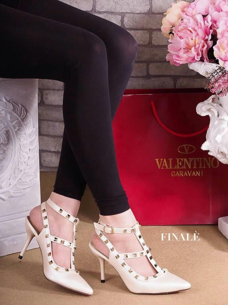 รองเท้าแฟชั่น valentino ส้นสูง
