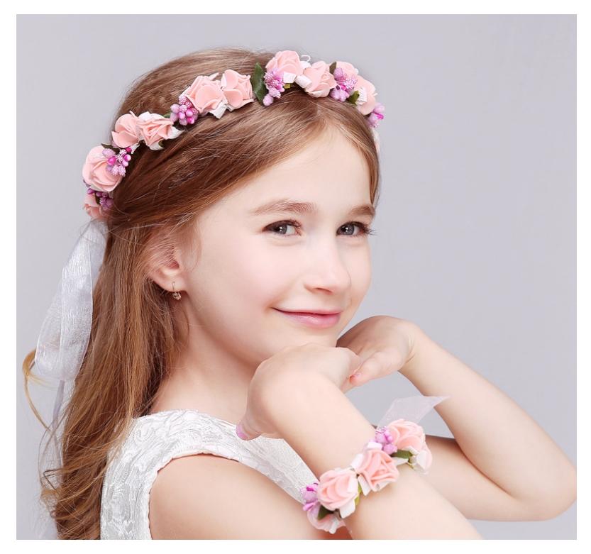 มงกุฎดอกไม้ และกำไลข้อมือ สีชมพูอ่อนหวาน