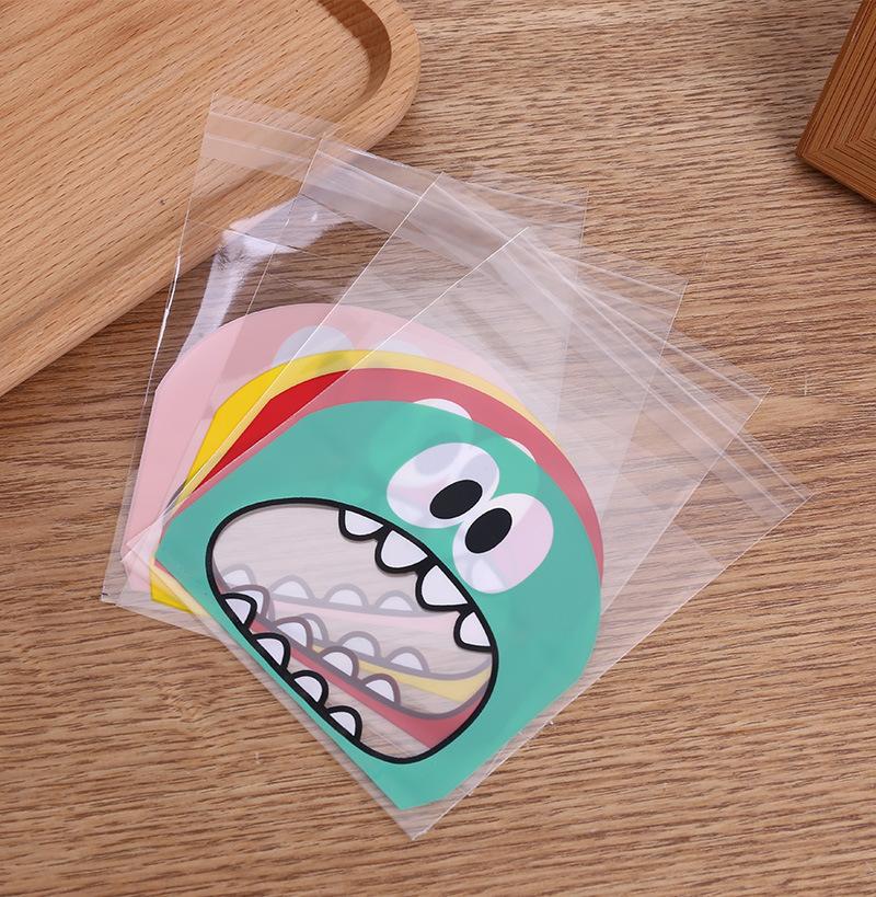 ถุงเบเกอรี่ ถุงขนมปัง แบบมีเทปกาว รูปมอนสเตอร์สีเขียว 100 ใบ/ห่อ (10*10+3 cm.)