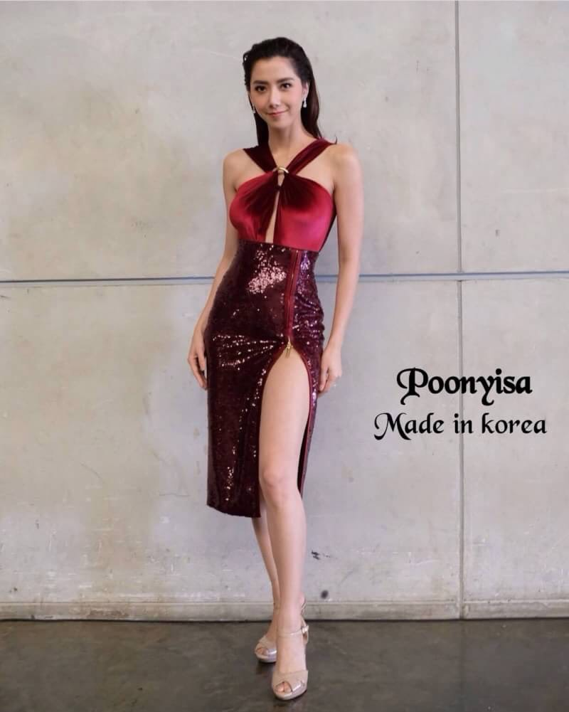 Dress เดรสตัวสั้นแขนกุด ช่วงบนเนื้อผ้ากำมะหยี่