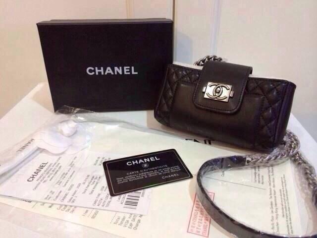 (Hiend) Chanelงานhi-end ใส่มือถือ ใส่เงิน มีซิปด้านใน บุผ้ากำมะหยี่