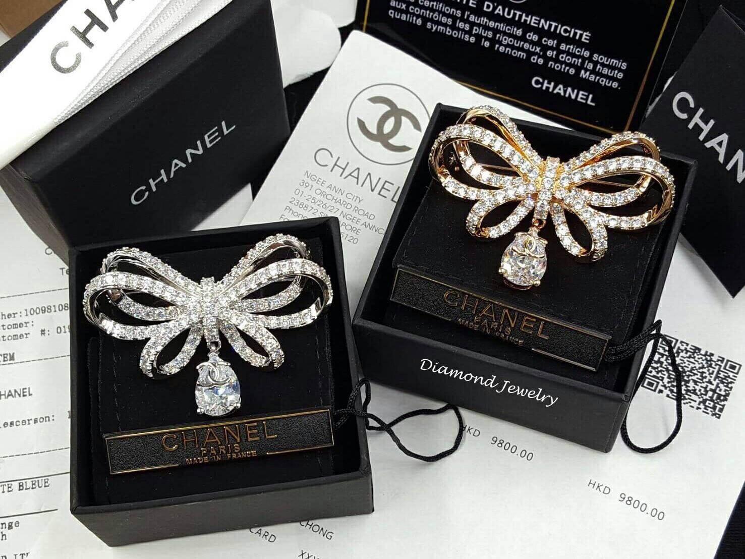พร้อมส่ง ปรบมือ 5 ล้านทีดังๆ ให้กับ Chanel Brooch