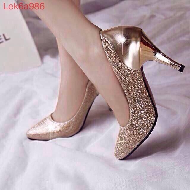 รองเท้านำเข้า รับประกันคุณภาพ รองเท้าคัชชูส้นสูง หนังกลิตเตอร์ ดีไซน์ส้นสีทอง สวยงาม โดดเด่นไม่ซ้ำใครจ้า สูง 9 ซม สี ทอง , ดำ ไซส์ 35-39 ราคา 1190 บาท