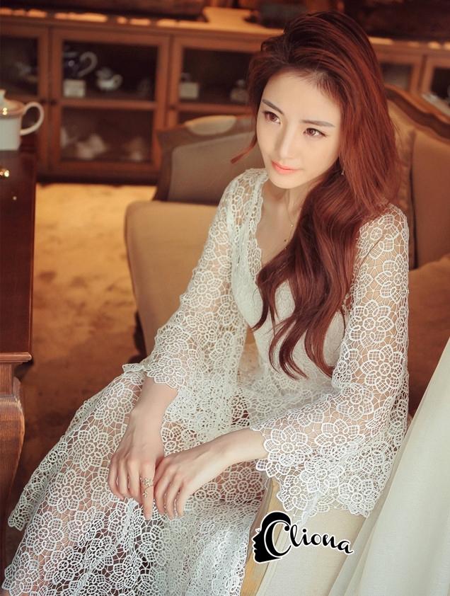 ชุดเดรสเกาหลี พร้อมส่งเดรสยาวฉลุดอกไม้สีขาวบริสุทธิ์