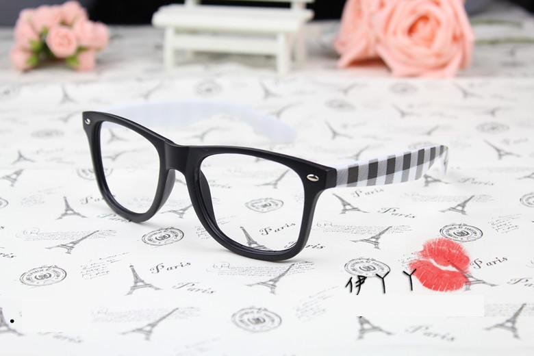 แว่นตาแฟชั่นเกาหลี หมากรุกดำขาว (ไม่มีเลนส์)