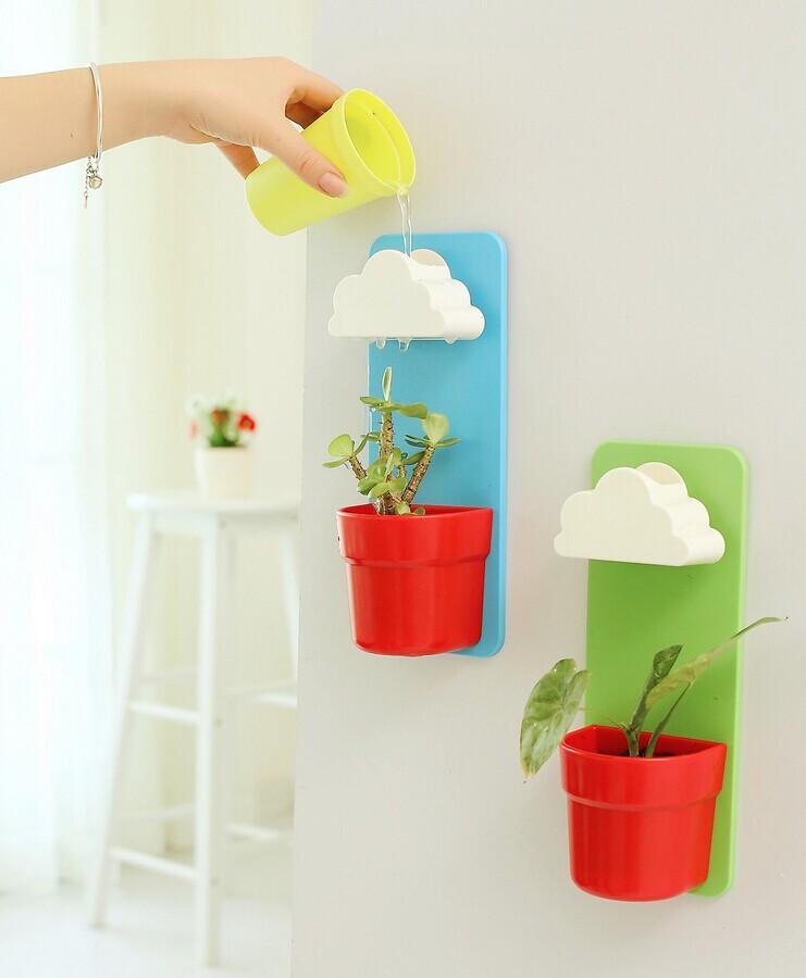 Rainy Pot : กระถางต้นไม้ ที่รดน้ำรูปก้อนเมฆ สีเขียวกระถางแดง (ในชุดมีปุ๋ย และเมล็ดพืช)