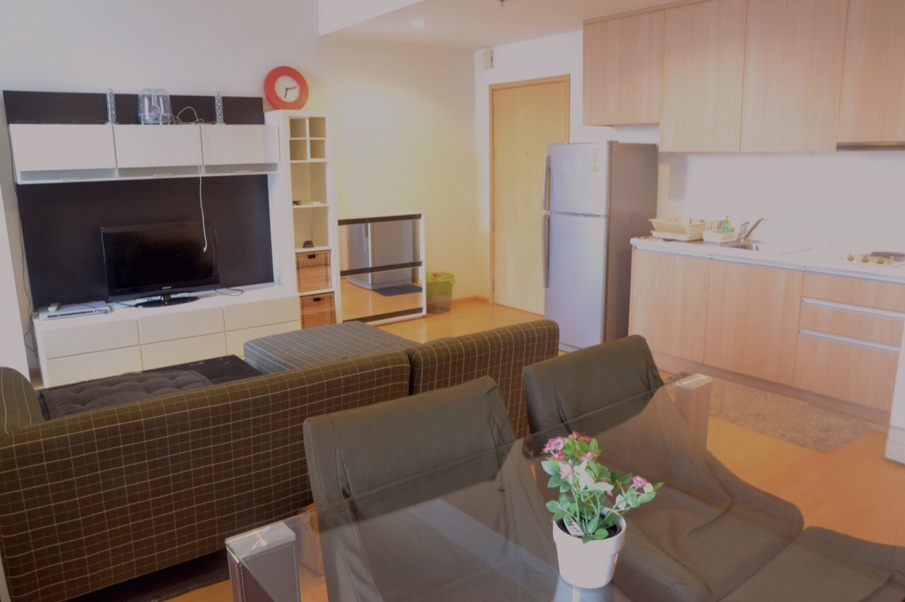 คอนโด Villa Rachatewi ให้เช่า ราคา 34000 / เดือน เฟอร์นิเจอร์ครบพร้อมอยู่ ห้องแบบ 1 ห้องนอน พื้นที่ 70 ตร.ม