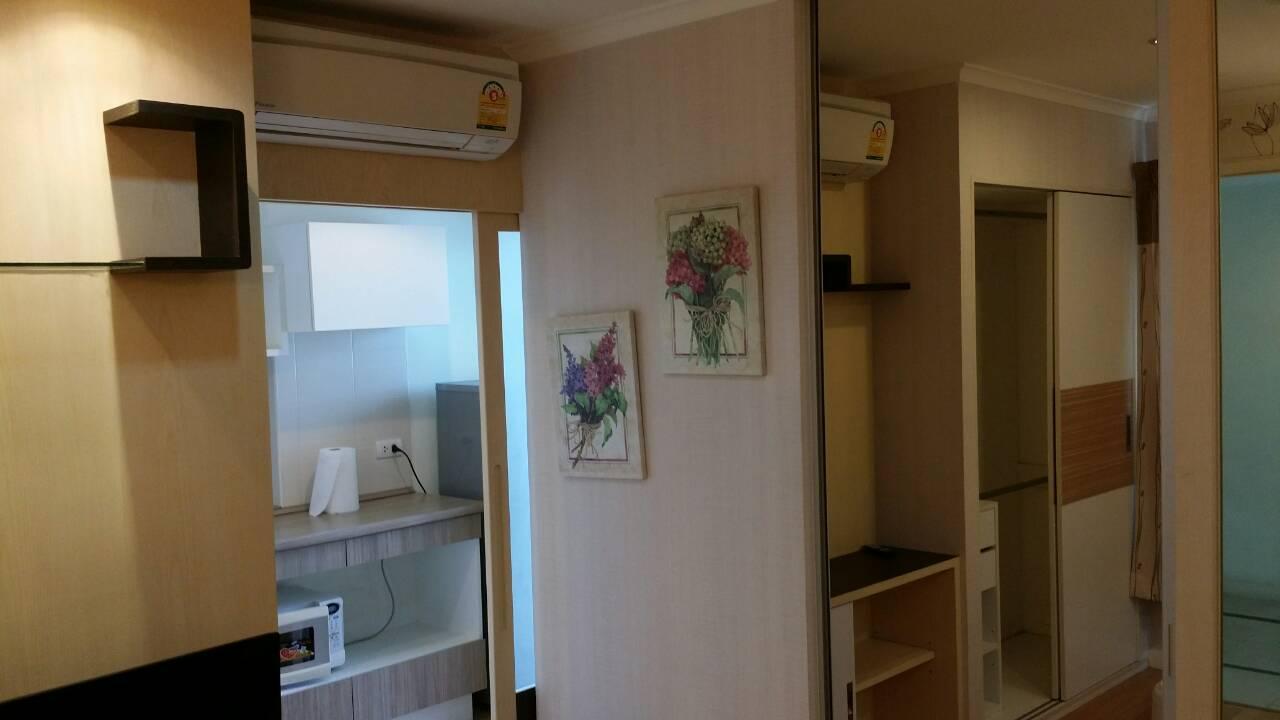 ให้เช่า Lumpini Ville Latphrao-Chokchai 4 ห้อง 1 ห้องนอน ราคา 9500 / เดือน พื้นที่ 29 ตรม. อาคาร A ชั้น 12 วิวในเมือง