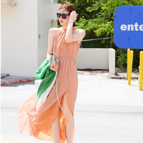 maxi dress - ชุดเดรสยาวผ้าชีฟอง ใสเที่ยว ใส่ทำงาน แขนกุด เปิดหลัง สีโอรส น่ารักมากๆ ค่ะ สามารถใส่ออกงานได้ Asia Sttreet Fashion