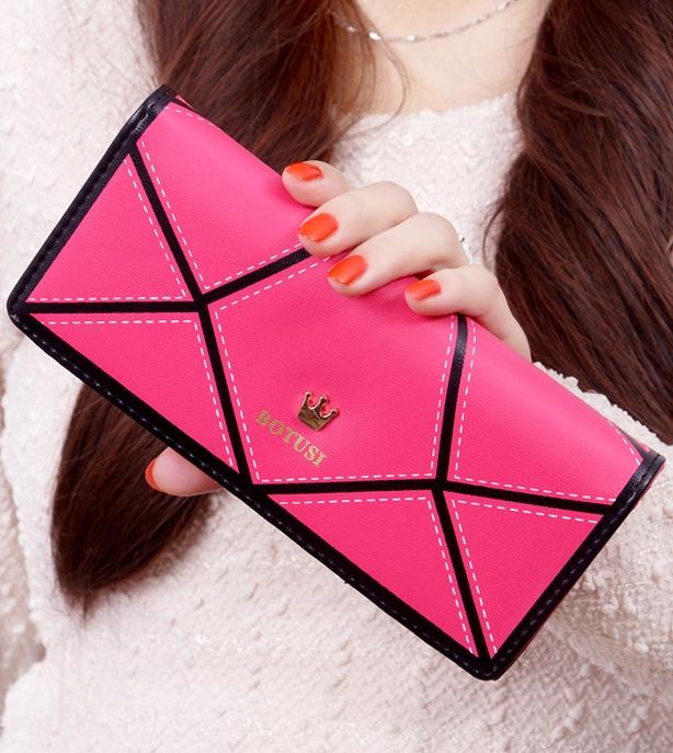 กระเป๋าสตางค์แฟชั่น BENLEI พร้อมส่ง สี ROSE RED ลายตัดสีดำเก๋ๆ ใบยาว DESIGN สุดเก๋ ปิดเปิดด้วยกระดุมแป๊กเก๋ๆ สวยหรู