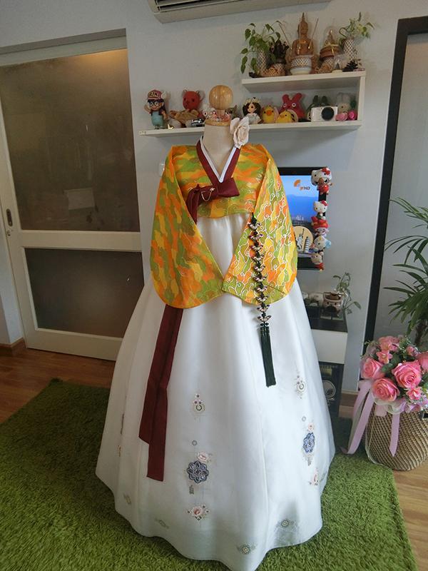 "Hanbok กราฟฟิค อก 40"" สูง 160"
