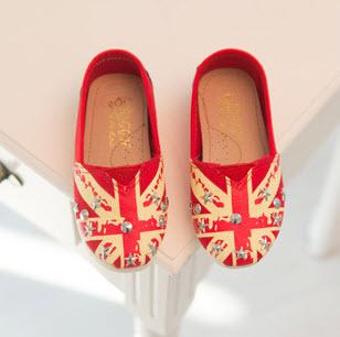 ***รองเท้าลายธงชาติ | แดง | 26-30(size 26=15.5cm.) | 5คู่/แพ๊ค | เฉลี่ย 120/คู่