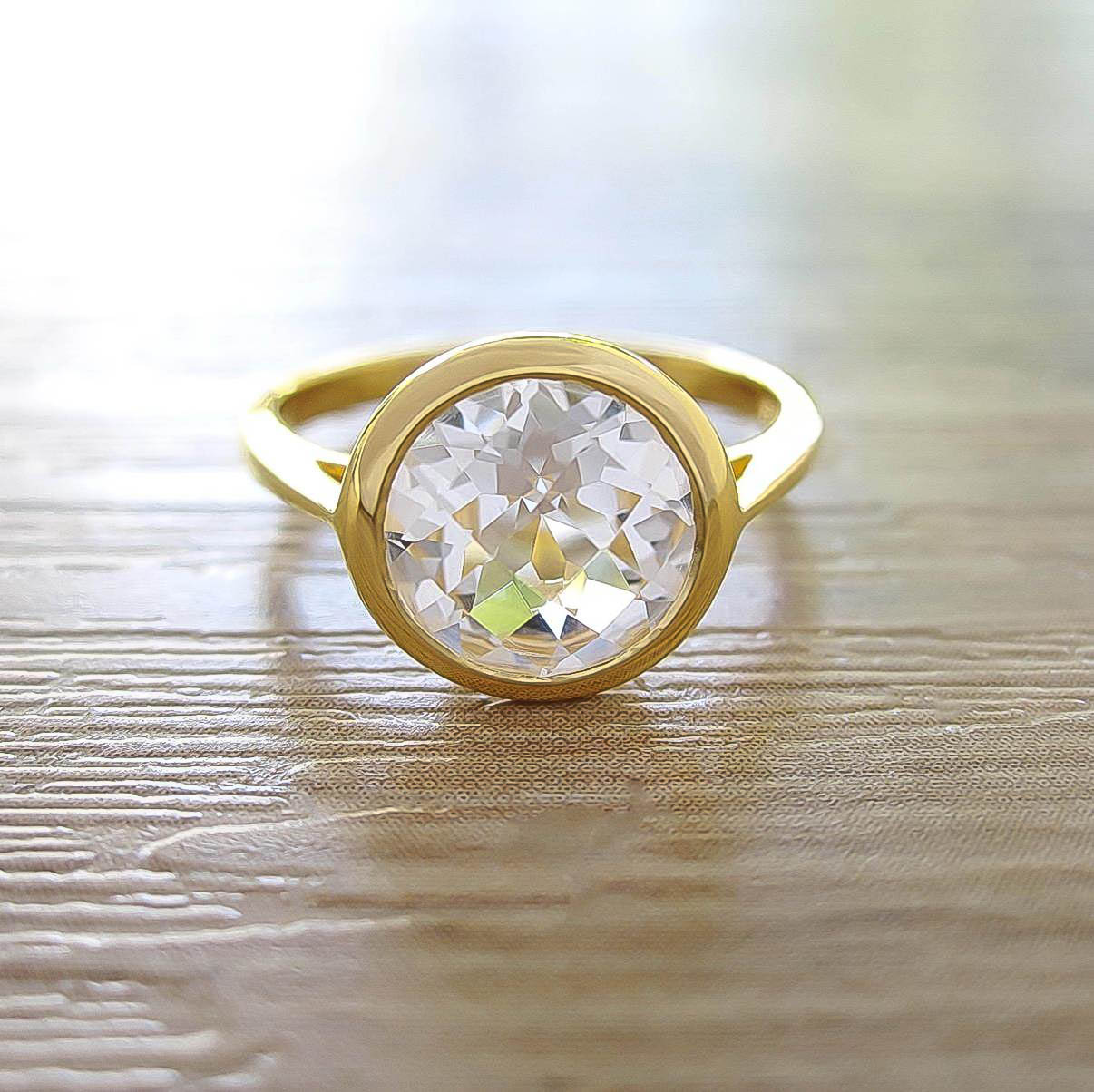 แหวน White Topaz Sterling Silver สี 18K Yellow Gold รุ่น Dashing