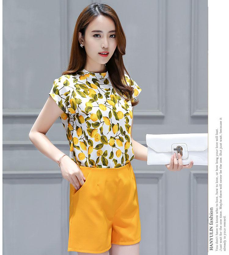 ชุดเซ็ท2ชิ้นเข้าชุดโทนสีเหลือง เสื้อแขนกุดพิมพ์ลายสวยๆ+กางเกงขาสั้นสีเหลือง ราคาถุก
