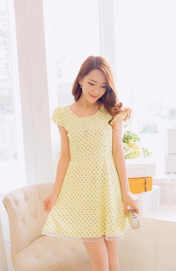 [พรีออเดอร์]ชุดเดรสผู้หญิงแฟชั่นเกาหลีใหม่ แขนสั้น ลายจุด แบบเก๋ เท่ห์ - [Preorder] New Korean Fashion Polka Dot Short-sleeved Dress