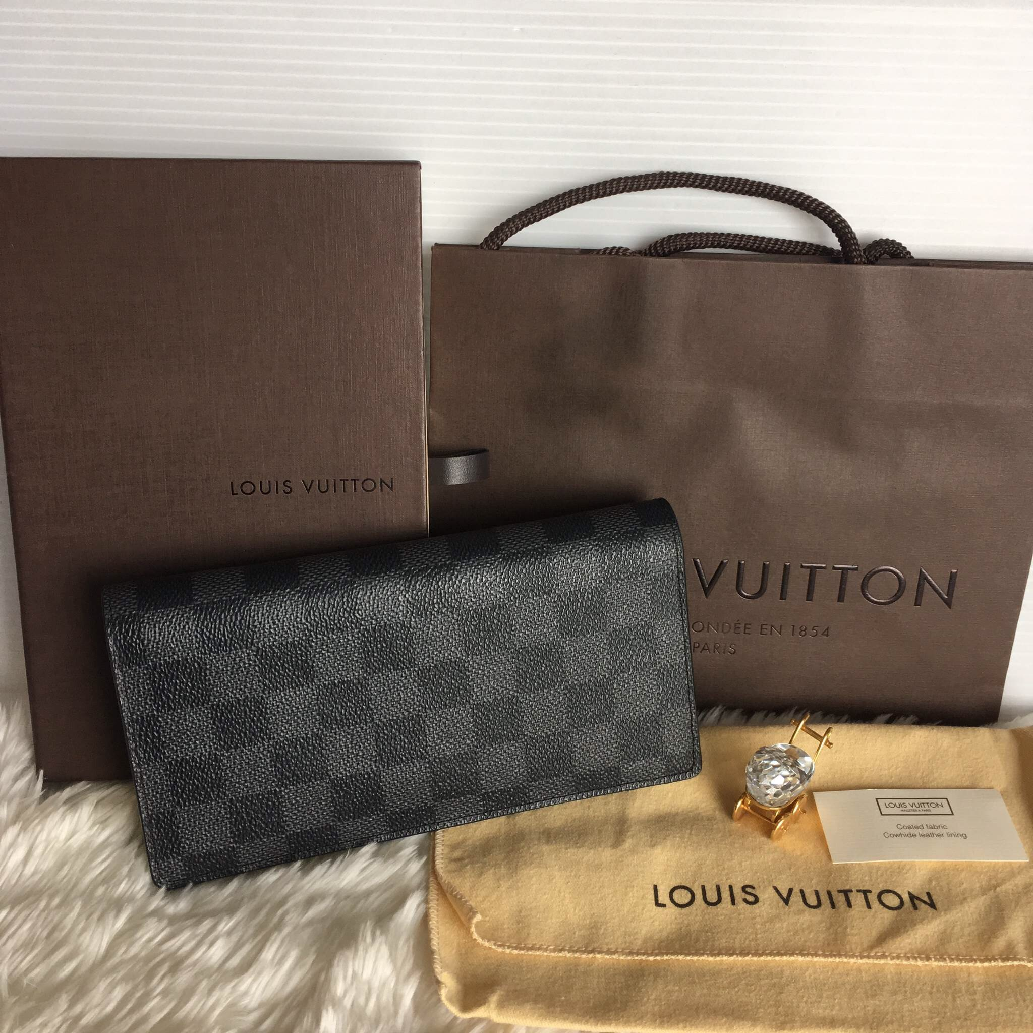 LOUISVUITTON brazza wallet graphite