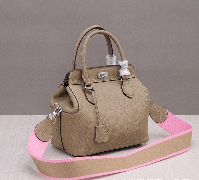กระเป๋าหนัง toolbox (taupe 24cm)
