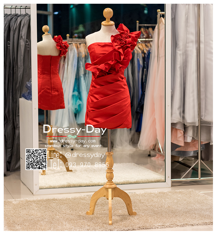 รหัส ชุดราตรีสั้น : BB030 ชุดราตรีสั้น เดรสออกงานไหล่เฉียง ชุดไปงานแต่งงานสีแดง ชุดแซกงานสวยมาก แบบประดับดอกไม้เพิ่มความน่ารัก