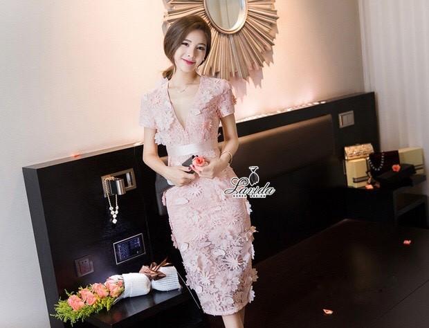 Korea Design By Lavida Elegant blossom lace v neck diva dress