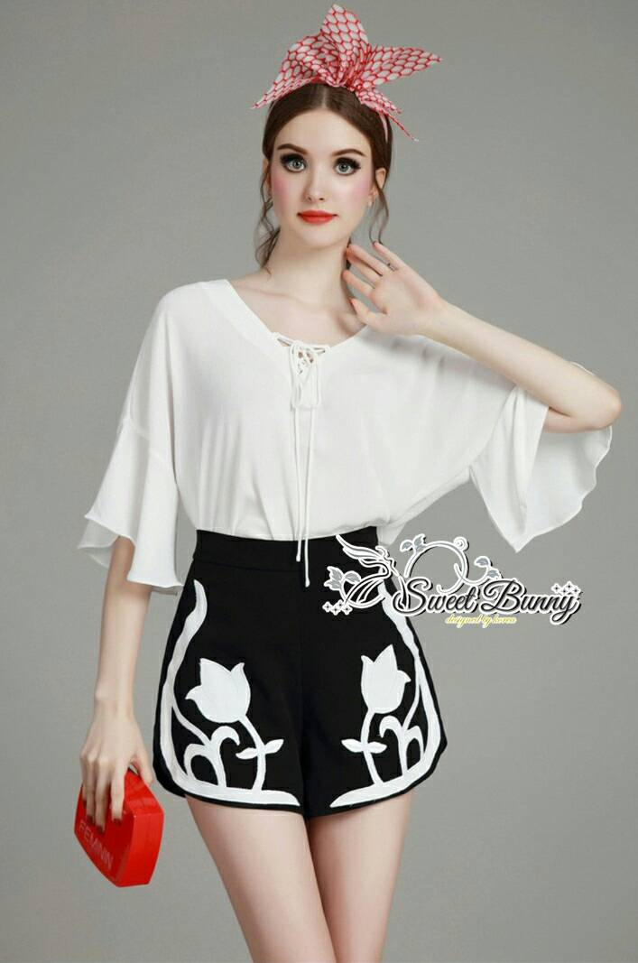 Sweet Bunny Present... Mixing White Blouse And Tall Waist Shorts Set