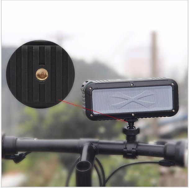 ออกแบบมาให้ใช้ติด กับแฮนด์จักรยานได้ด้วยช่องรูน็อตบริเวณด้านล้างของตัวลำโพง