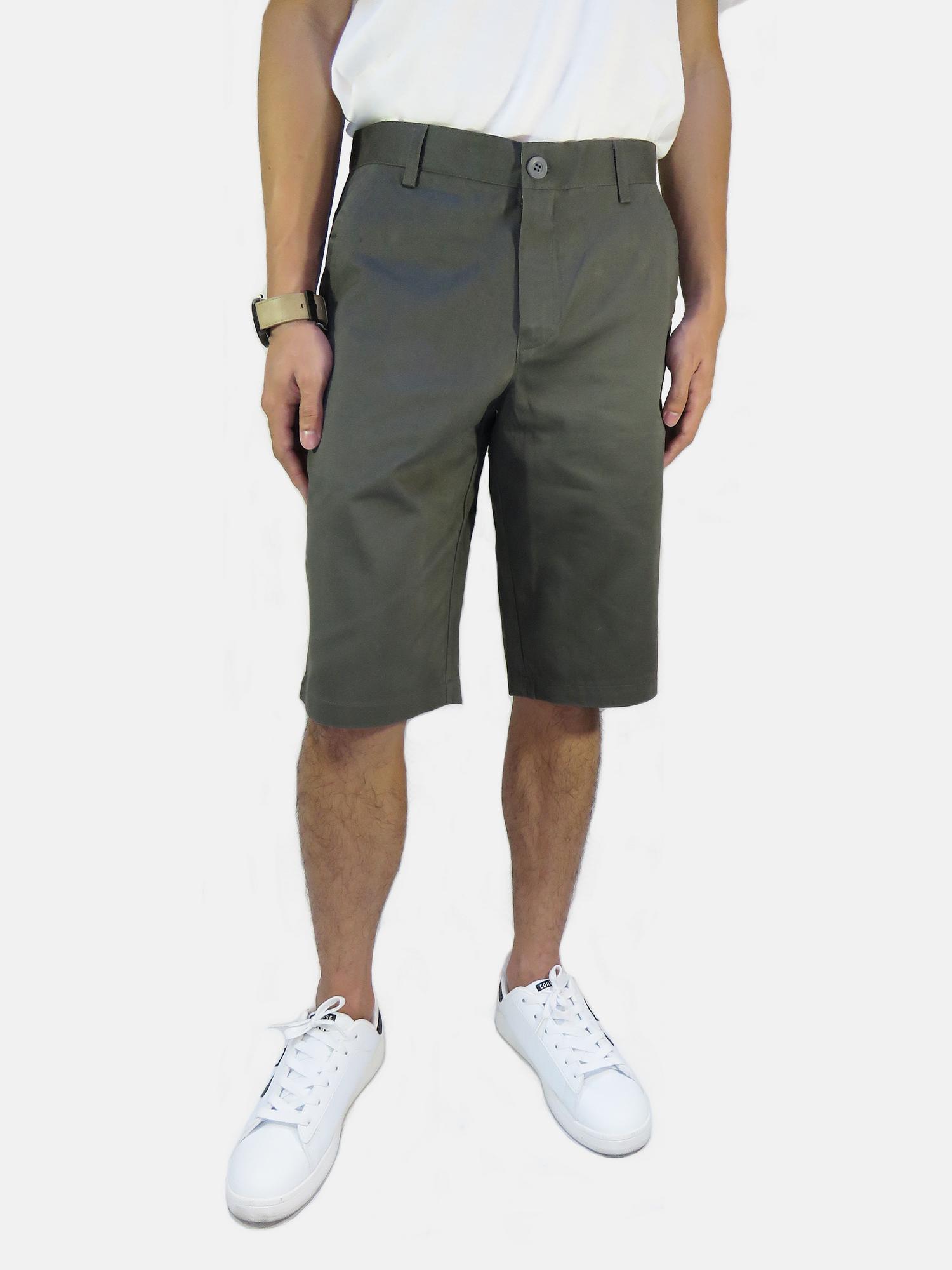 กางเกงขาสั้นชาย ระดับเข่า สีเทาเข้ม