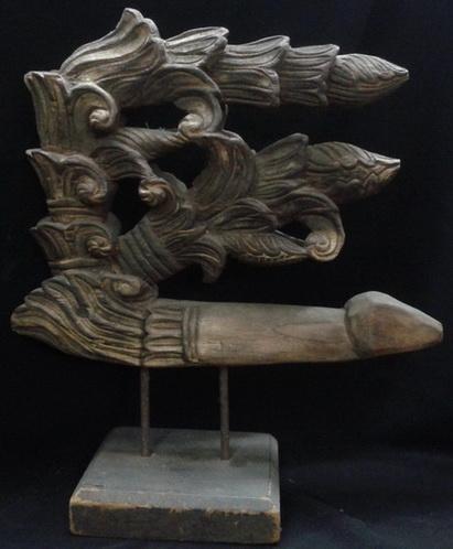 ไม้แกะประดับหัวเกวียน1 ศิลปะพม่า สูง 45 cm.