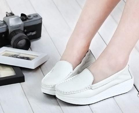 (พร้อมส่ง) รองเท้าพื้นหยักหนังเสริมสูงสไตล์เกาหลี