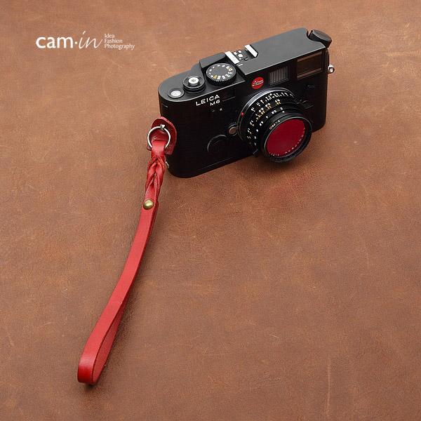 สายกล้องคล้องมือ Cam-in Camera Wrist Strap กล้องเล็ก / Leica รุ่น Twist สีไวน์แดง