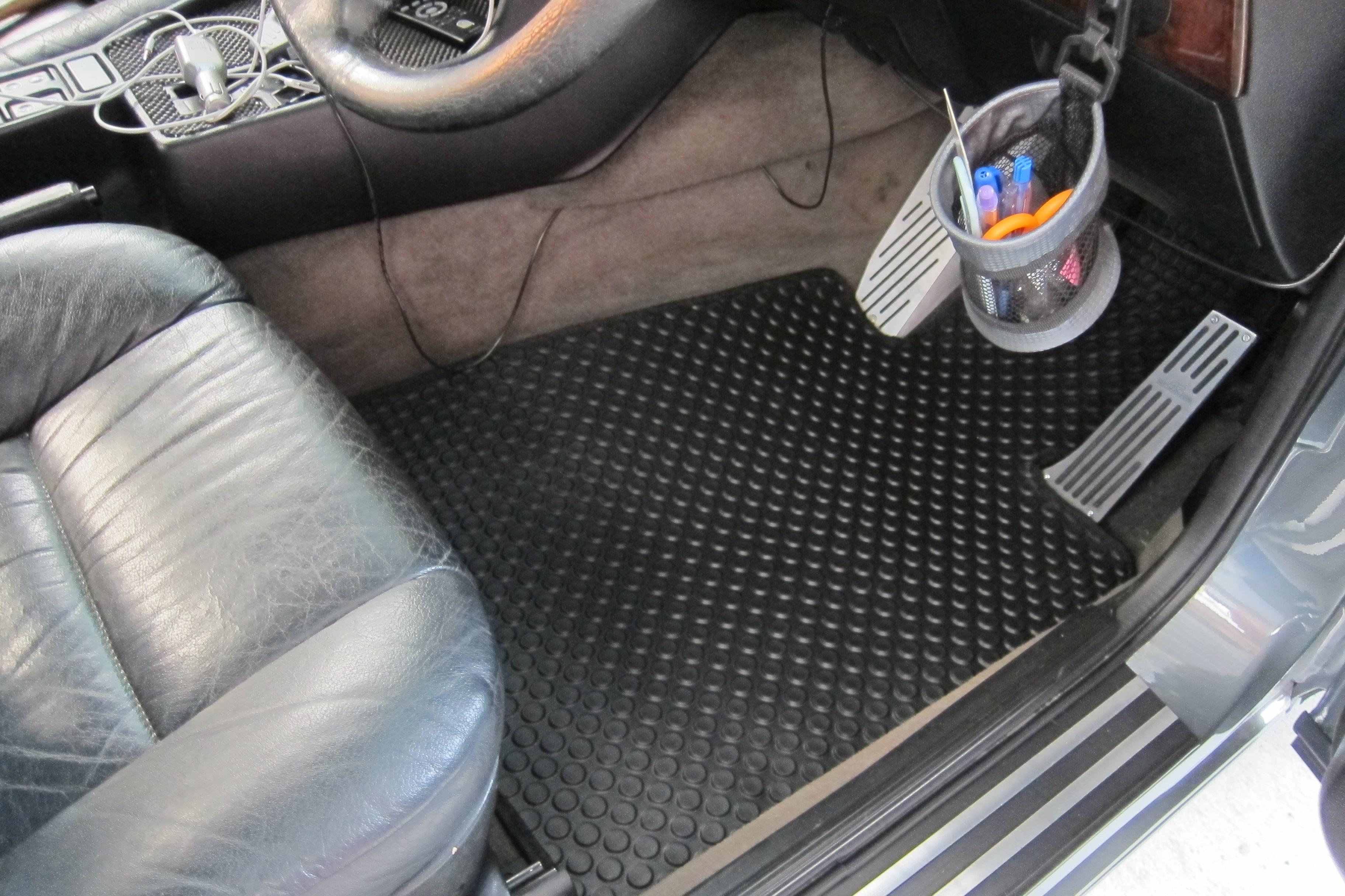 พรมกระดุม Original ชุด Full จำนวน 5 ชิ้น BMW Serie 5 E34