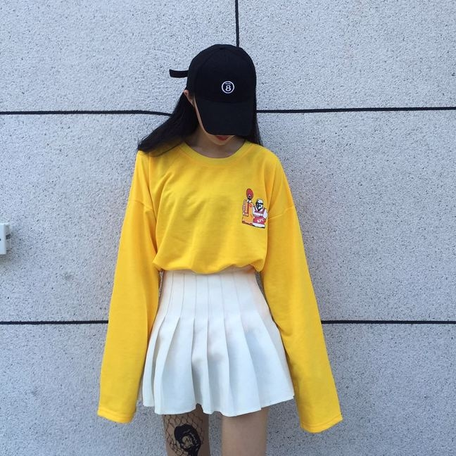 (ภาพจริง) เสื้อแฟชั่น คอกลม แขนยาว ลายการ์ตูน สีเหลือง