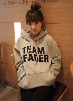 (ภาพจริง) เสื้อกันหนาว แขนยาว บุกันหนาว มีฮูด กระเป๋าหน้า Team Leader สีเทา