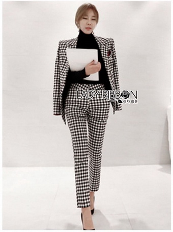 Chic Black and White Lady Ribbon Checked Suit