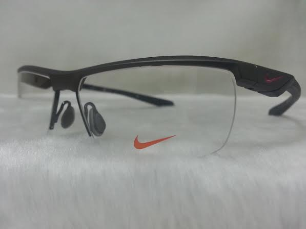 NIKE BRAND ORIGINALแท้ 7075/1 081 กรอบแว่นตาพร้อมเลนส์ มัลติโค๊ตHOYA ป้องกันรังสีคอม 4,200 บาท