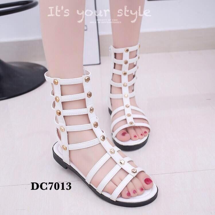 รองเท้าแตะส้นเตี้ยสีขาว หนังนิ่ม สไตล์ Gladiater Sandals (สีขาว )