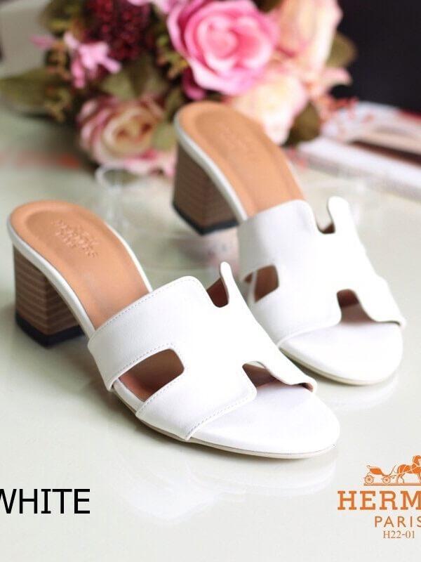 รองเท้าส้นสูง ทรงสวม ส้นปั้มลายไม้ หนังนิ่ม (สีขาว )
