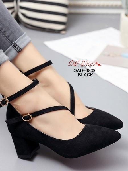 รองเท้าคัทชูส้นสูงรัดข้อสีดำ หัวแหลม ผ้าสักหราด (สีดำ )