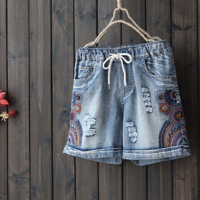 กางเกงยีนส์ขาสั้นปักลาย เอวยืด (มีให้เลือก 3 ไซส์)