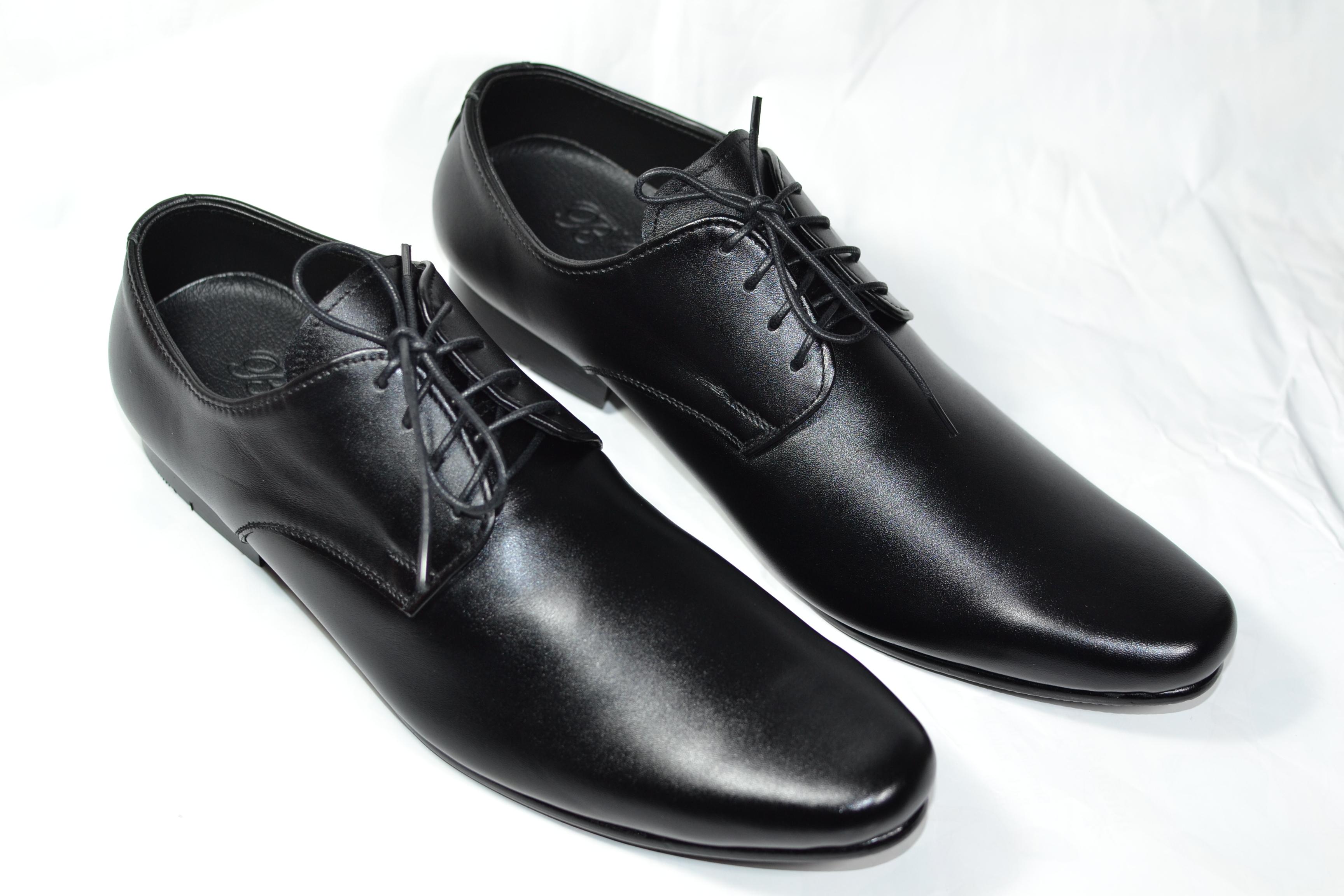 รองเท้าหนัง ชาย-หญิง ทรงหัวแหลม หนังแท้สีดำ มีไซส์ 36-47