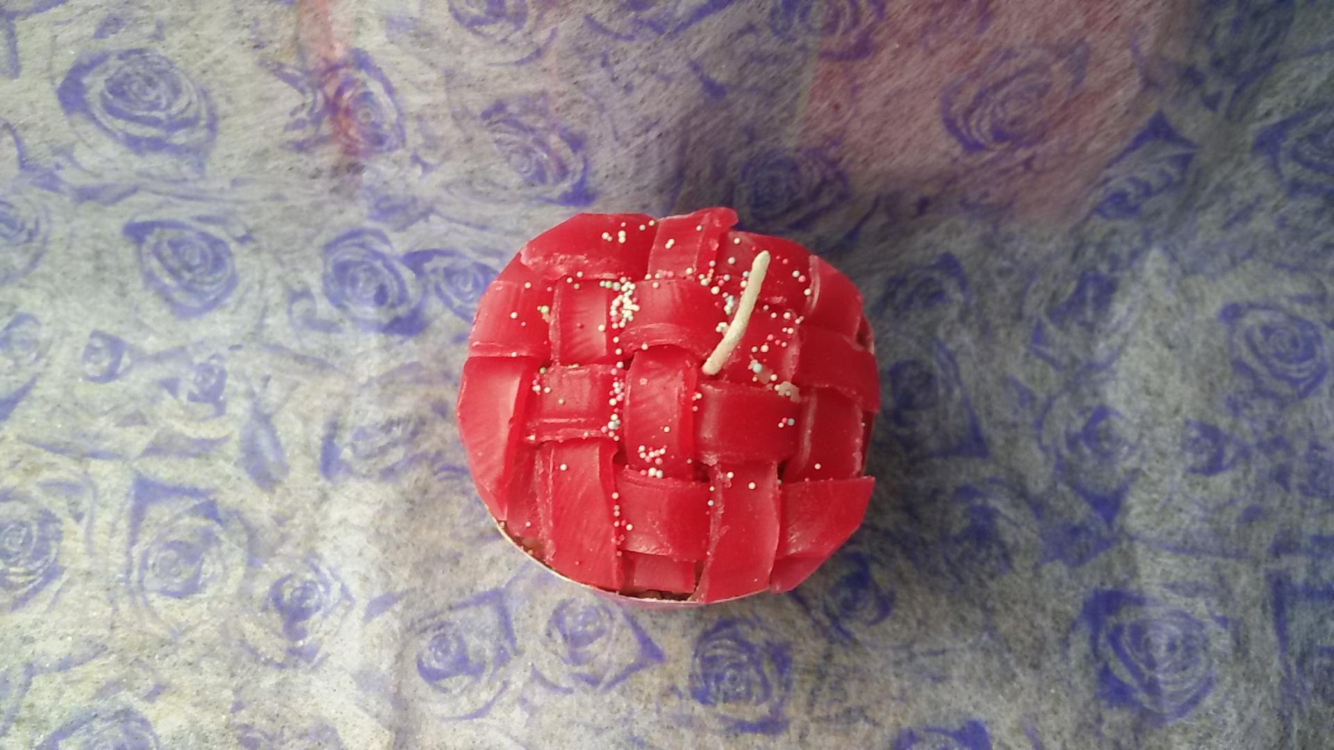 เทียนหอมคัพเค้กสตอเบอร์รี่สานหน้าเค้ก