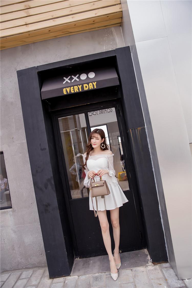 ชุดเดรสแฟชั่นเกาหลีสีขาวกระโปรงบานน่ารัก
