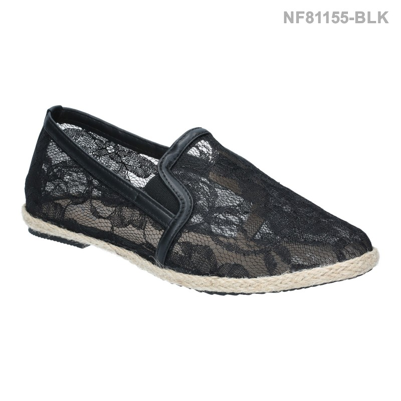 รองเท้าส้นแบน หุ้มส้น แบบสวม ผ้าลูกไม้ (สีดำ )