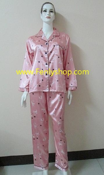 ชุดนอน(ญ)ผ้าซาตินกางเกงขายาวแขนยาว แบบลายแมว สีโอรส ตัวเสื้อรอบอก 40 นิ้ว