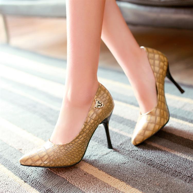Preorder รองเท้าแฟชั่น สไตล์เกาหลี 32-43 รหัส 9DA-8221