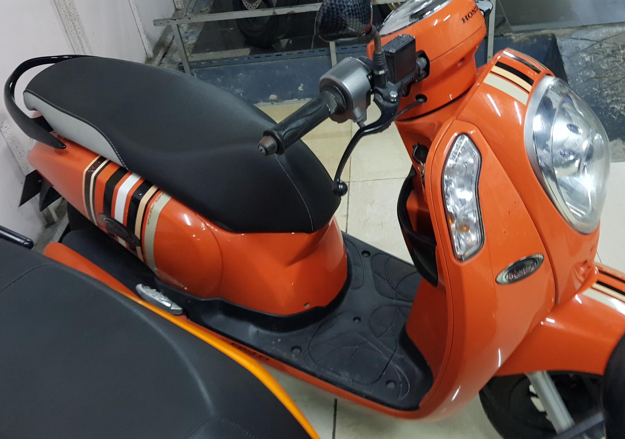 (ผ่อนได้)Scoopy สีส้ม ตัวท็อปล้อแม็กซ์คอมบายเบรค รถบ้านใช้น้อยจริง
