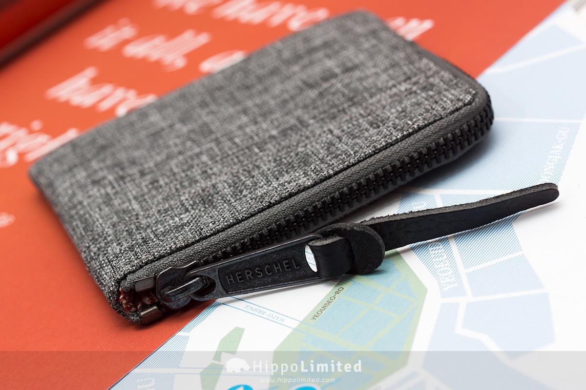 กระเป๋าเหรียญ Herschel Johnny Wallet - Raven Crosshatch ซิปสีดำตัวดึงหนังแท้สีดำ